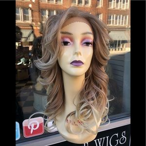 Accessories - Long blonde mix 27/613 Lacefront Wig